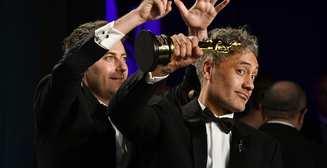 """Модники и бургеры: как прошла вечеринка Vanity Fair после """"Оскара 2020"""""""