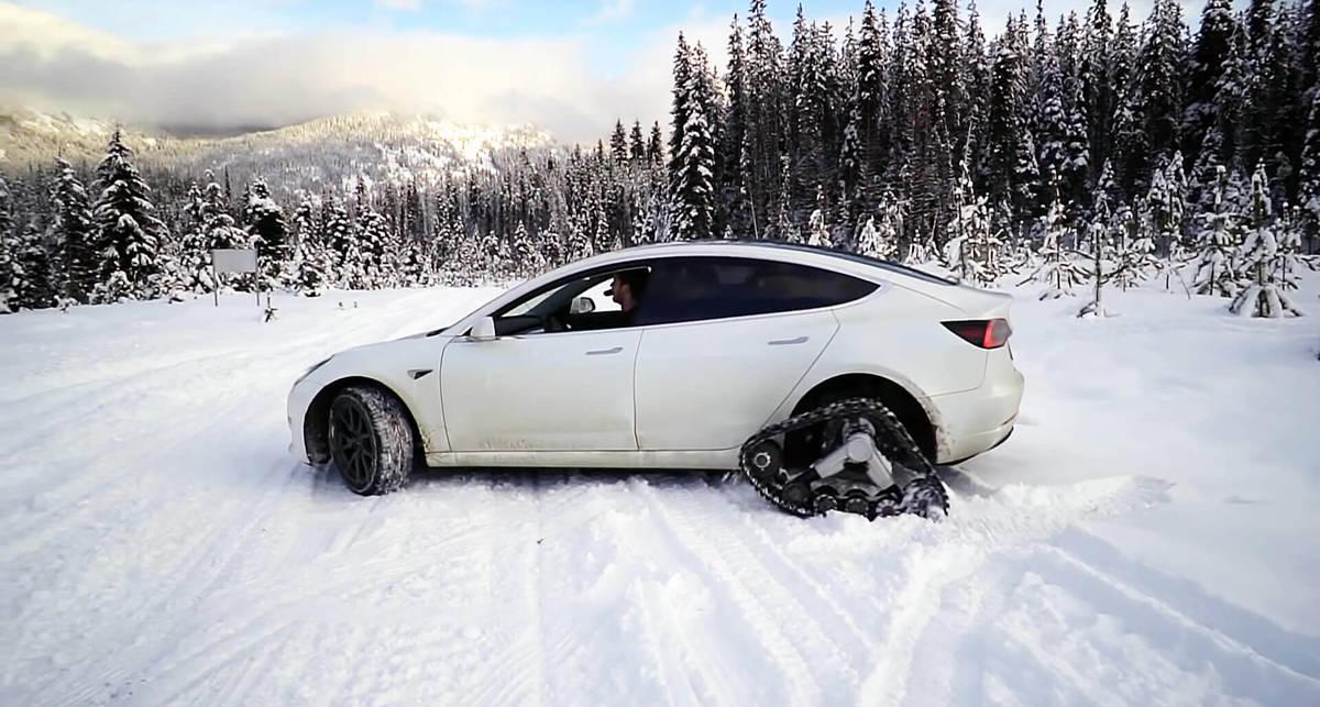 Что будет, если переделать Tesla в снегоход?