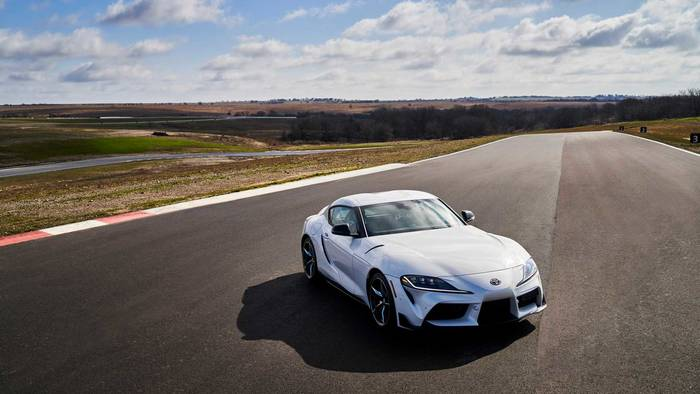 Toyota Supra 3.0 Premium 2021. Показали на гонках Daytona 500