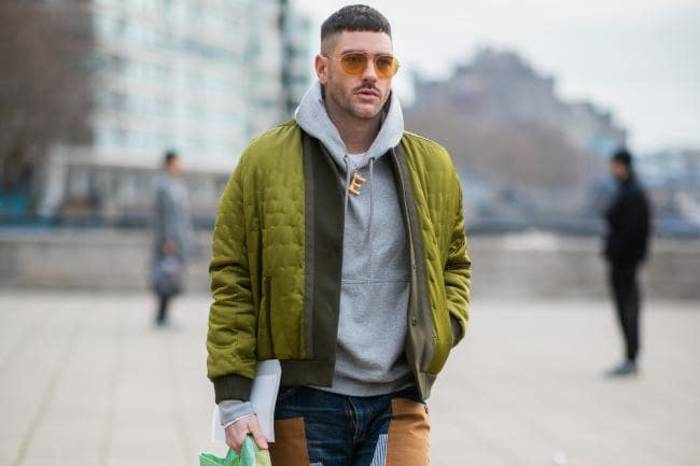 Куртка-бомбер присутствует почти во всех коллекциях модных брендов 2020