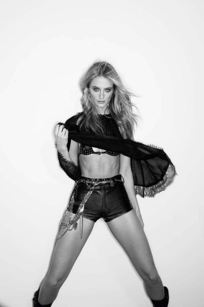 Кейт Бок. Снялась в эротической фотосессии для апрельского Maxim