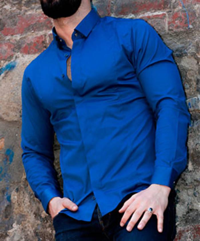 Обтягивающая рубашка уместна, если у тебя накачанное тело