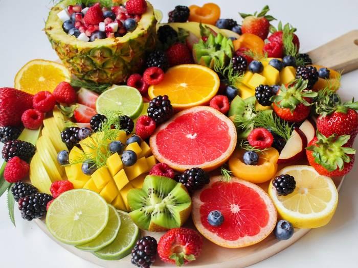 Включи в свой рацион побольше фруктов - это поможет сократить количество потребляемого сахара