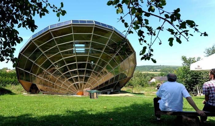 Солнечный дом во Франции