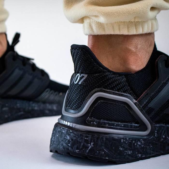 """Первые фото Adidas Ultraboost X 007 """"No Time to Die"""" появились в Instagram блогера YankeeKicks"""