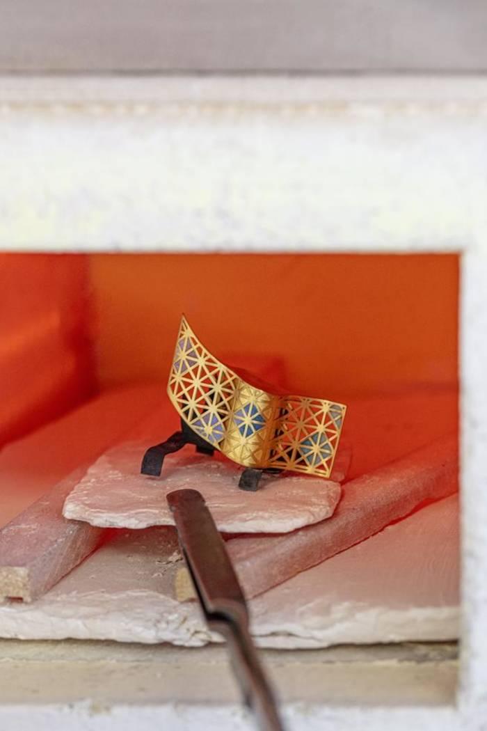 Так создавалась центральная сетка парфюма Sagrada