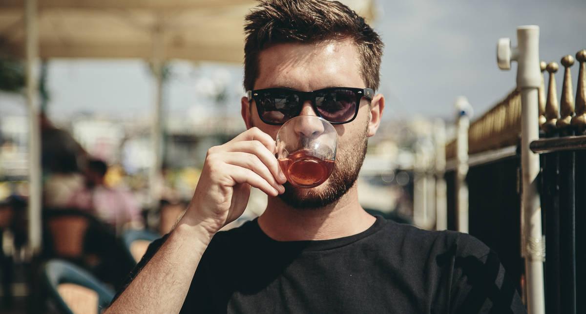 Долой кофе, даешь чай: 5 полезных дринков, улучшающих сон