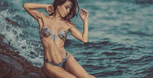 Красотка дня: путешественница и бикини-модель Мила Такахаши