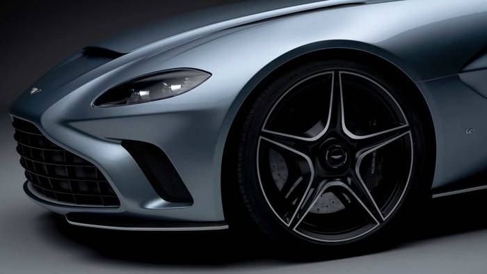 Aston Martin V12 Speedster. Цена - £765 000 ($980 000)