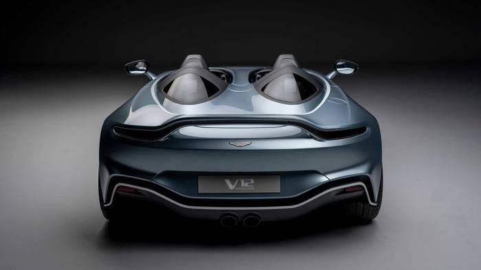 Aston Martin V12 Speedster. Кроили по мотивам F/A-18
