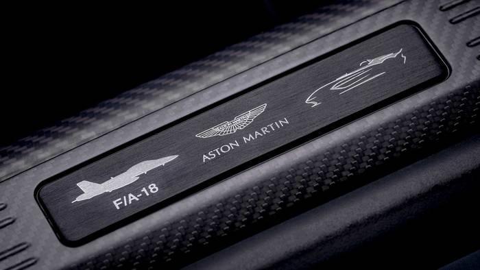 Aston Martin V12 Speedster. С символикой F/A-18