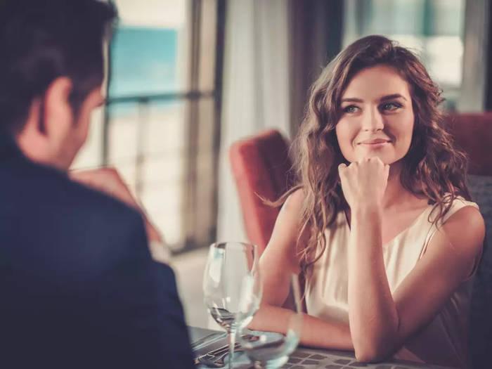 Как понравиться девушке на первом свидании — разговаривай об интересном для нее