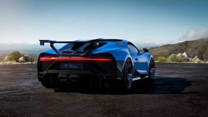 Bugatti Chiron Pur Sport 2020 — вероятно, самая маневренная и бескомпромиссная машина