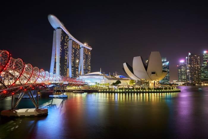 Сингапур. Там любят поесть и всегда ведут активный образ жизни