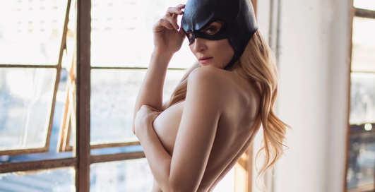 Красотка дня: Playboy Playmate и сексуальная звезда косплея Холли Вольф