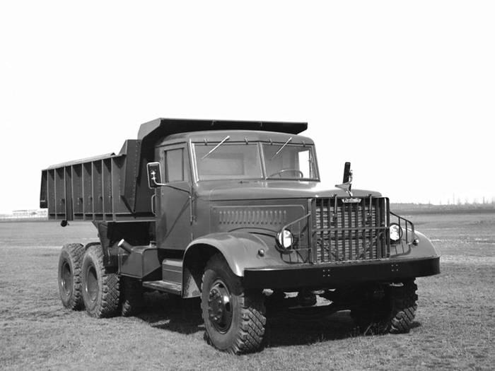 "1959 год, КрАЗ-222 ""Днепр"""