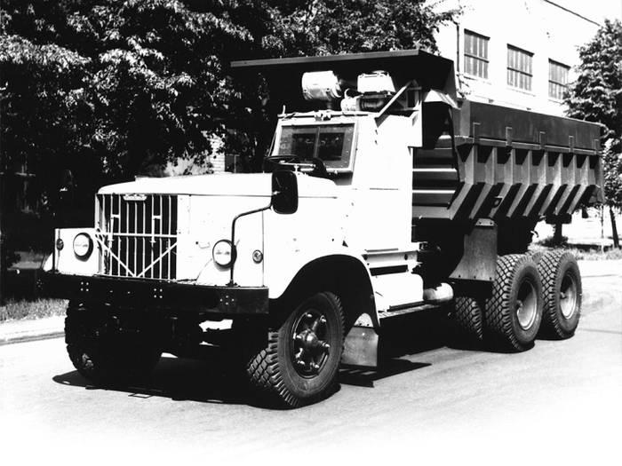 1986 год, КрАЗ 256Б1−030