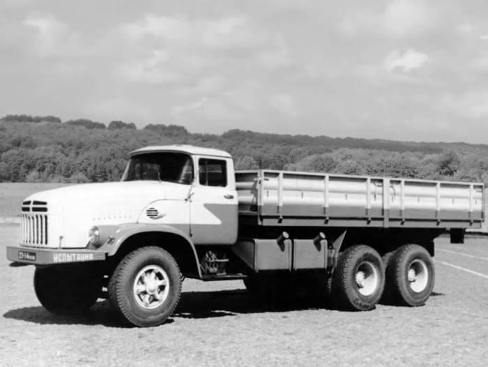 1961 год, опытный КрАЗ-250
