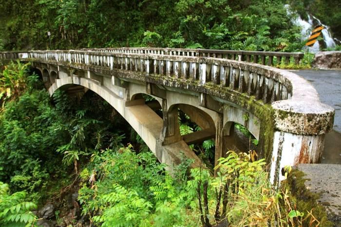 Шоссе Гана, Гавайи = 620 узких поворотов + 59 дряхлых мостов