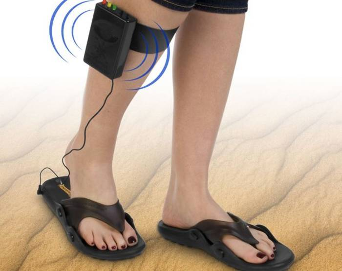 Шлепки с металлоискателем — идеальны для поиска клада на пляже