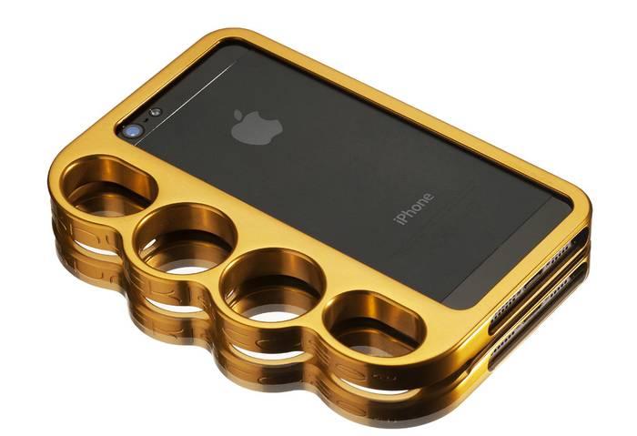 iPhone для самообороны. Поможет бить больно