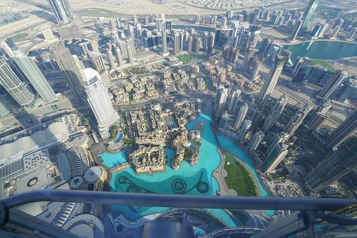 Вид со смотровой площадки на 148 этаже Башни Бурдж Халифа