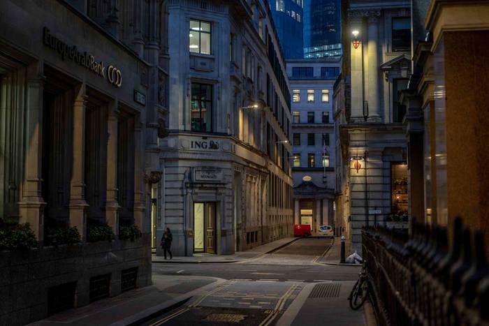 Лондон. Вот так сегодня выглядит час пик в крупном мегаполисе