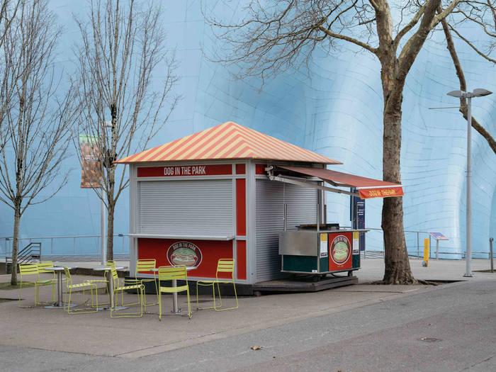 Сиэтл. Купить хот-дог так же мало шансов, как и посетить Спейс Нидл