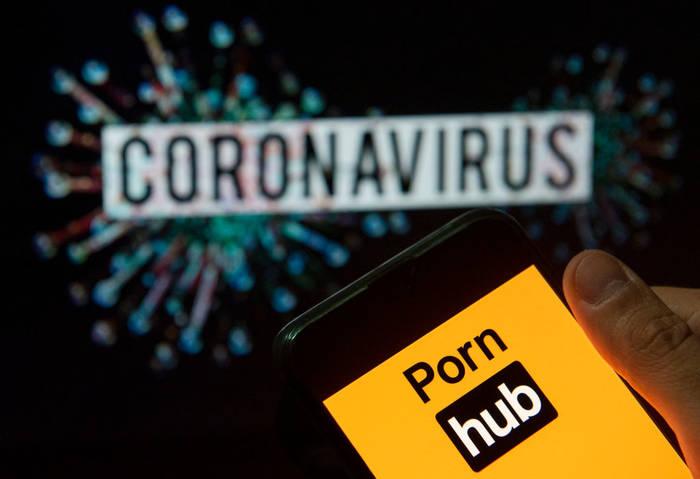 В связи с коронавирусом Pornhub открыл бесплатный доступ на премиум-ролики