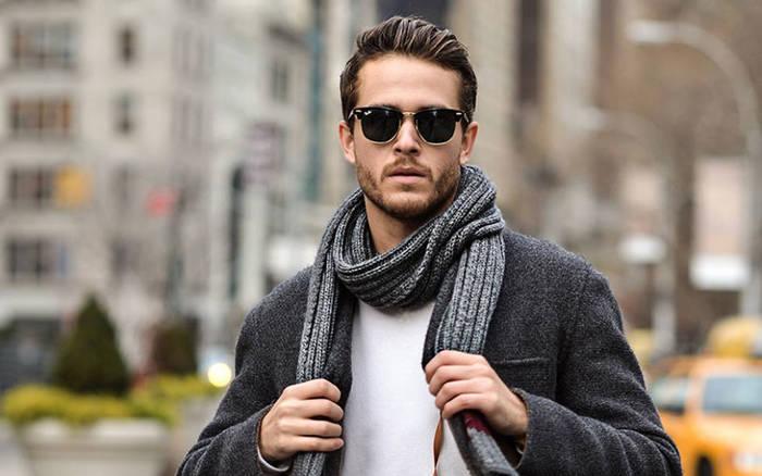 Цвет шарфа выбирай в тон одежде