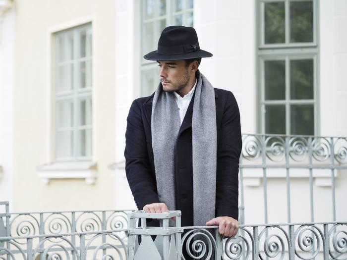 Как носить легкий шарф весной 2020 — следи за его объемом