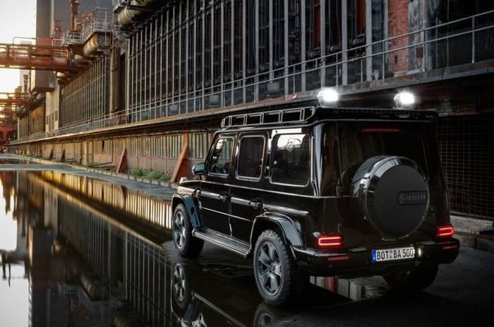 Максимальная скорость Mercedes-Benz G-Class Invicto ограничена отметкой 193 км/ч