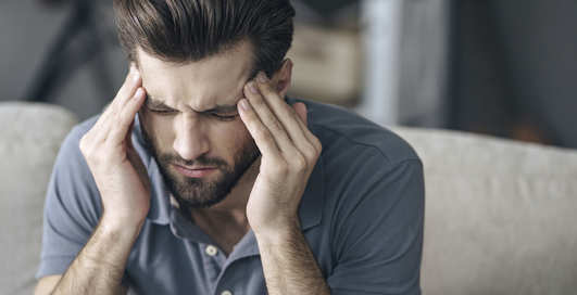 Рассол от похмелья и «боль в мозгу»: 5 мифов о головной боли