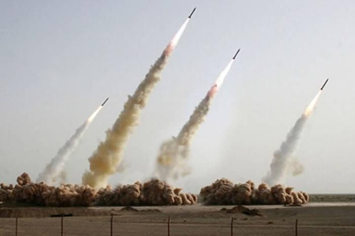 Ракеты Ирана. Обрати внимание на две крайние справа