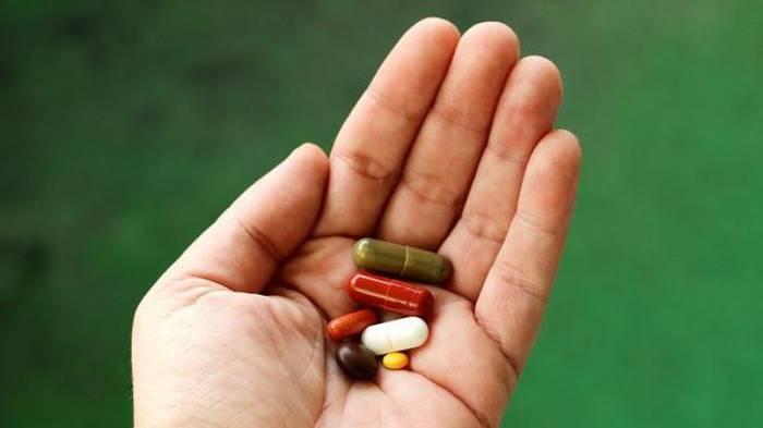 Антибиотики нужно принимать только по назначению врача