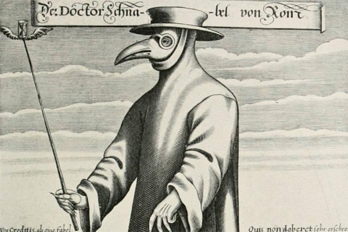 """Костюм чумного доктора включал маску с """"клювом"""", выполнявшим роль респиратора"""