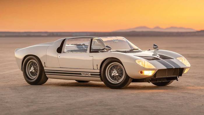 Ford GT40 Roadster Prototype (1965)