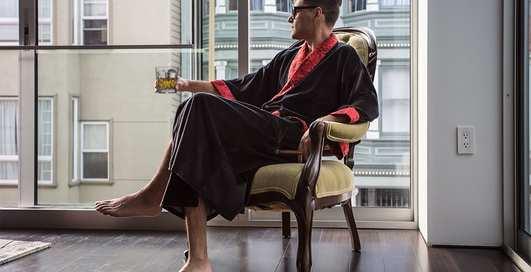 Вон майку и спортивные штаны: как выбрать домашнюю одежду современному мужчине