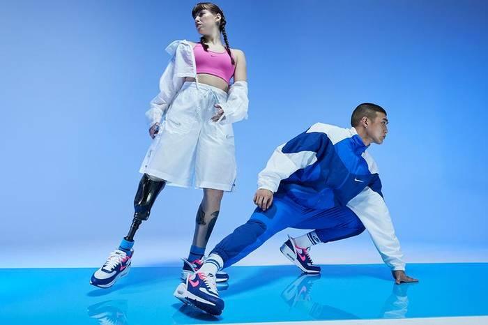 Главная фишка Nike Air Max 90 FlyEase — складная пятка