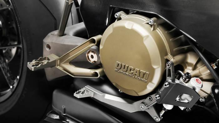 Vyrus Alyen на базе Ducati. Мощность — 202 лошадиных силы