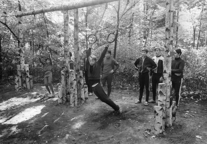 Оборудование для тренировок устанавливалось повсюду, даже во дворах