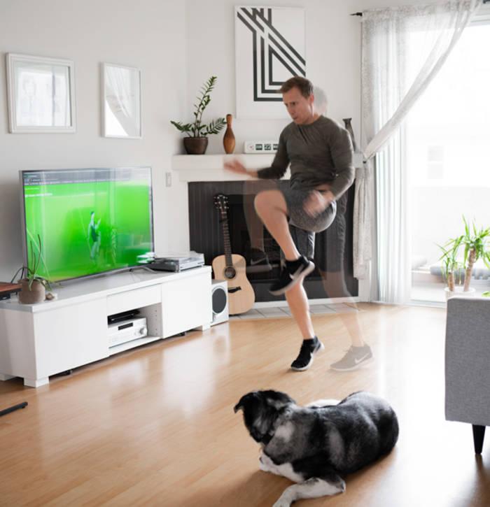 Подъем коленей разминает мышцы ног