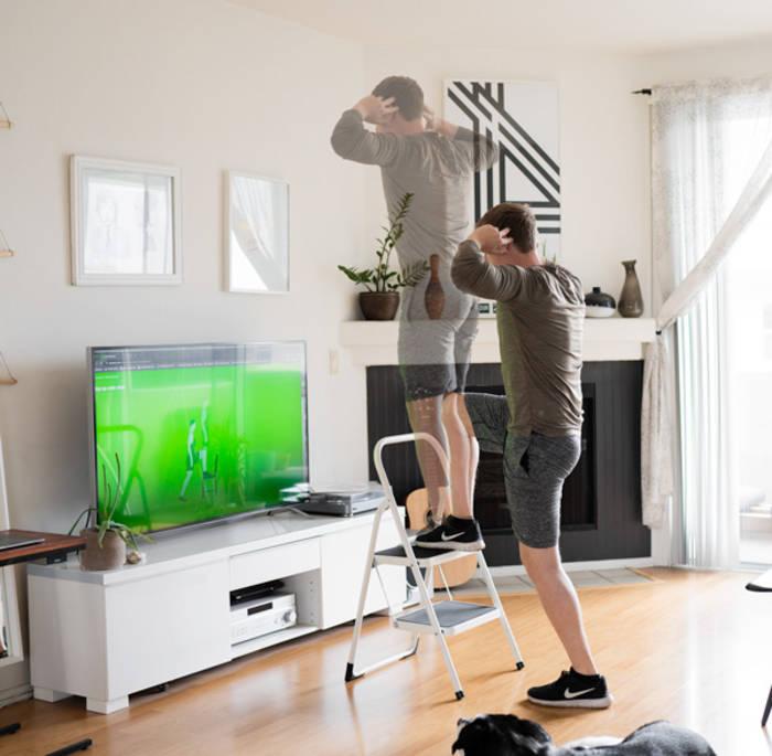 Шаги по лестнице натренируют баланс и проработают мышцы ног и спины