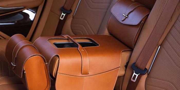 Внутри Aston Martin DBX — кожаный салон с седельными сумками и набором для багажа от Bridge of Weir