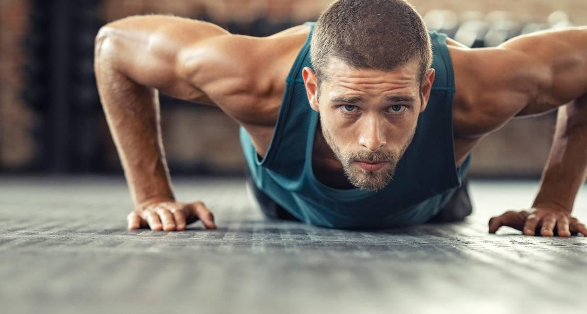 Мужские тренировки в домашних условиях: план на неделю