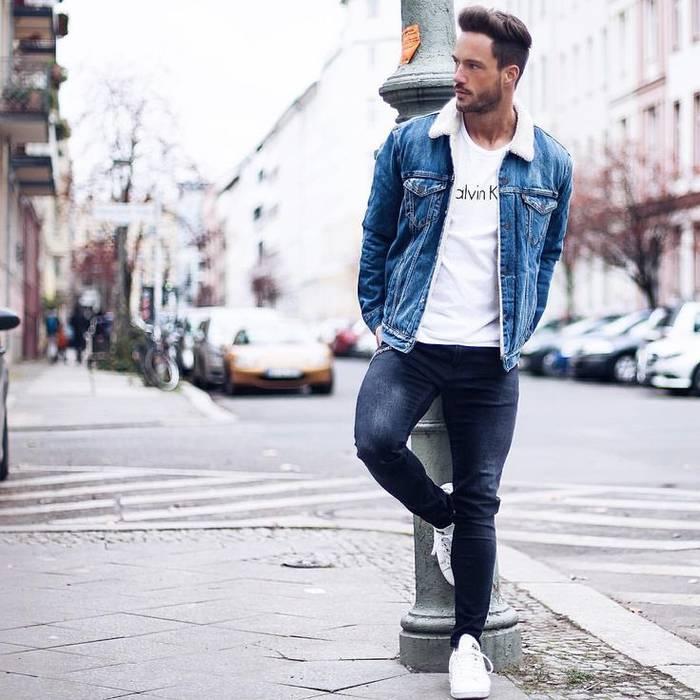 Как носить джинсовую куртку весной 2020 — сочетай ее с черными джинсами