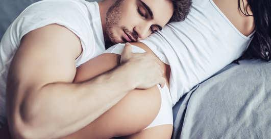 Темнота, улыбка и комфорт: 15 секретов яркого секса