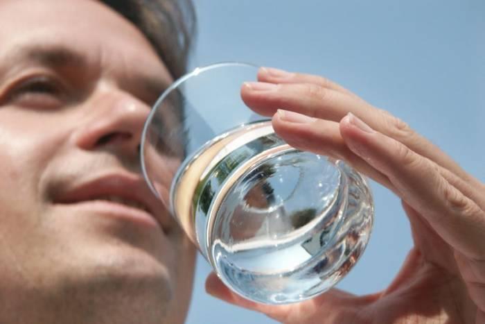 Пей воду до того, как почувствуешь жажду