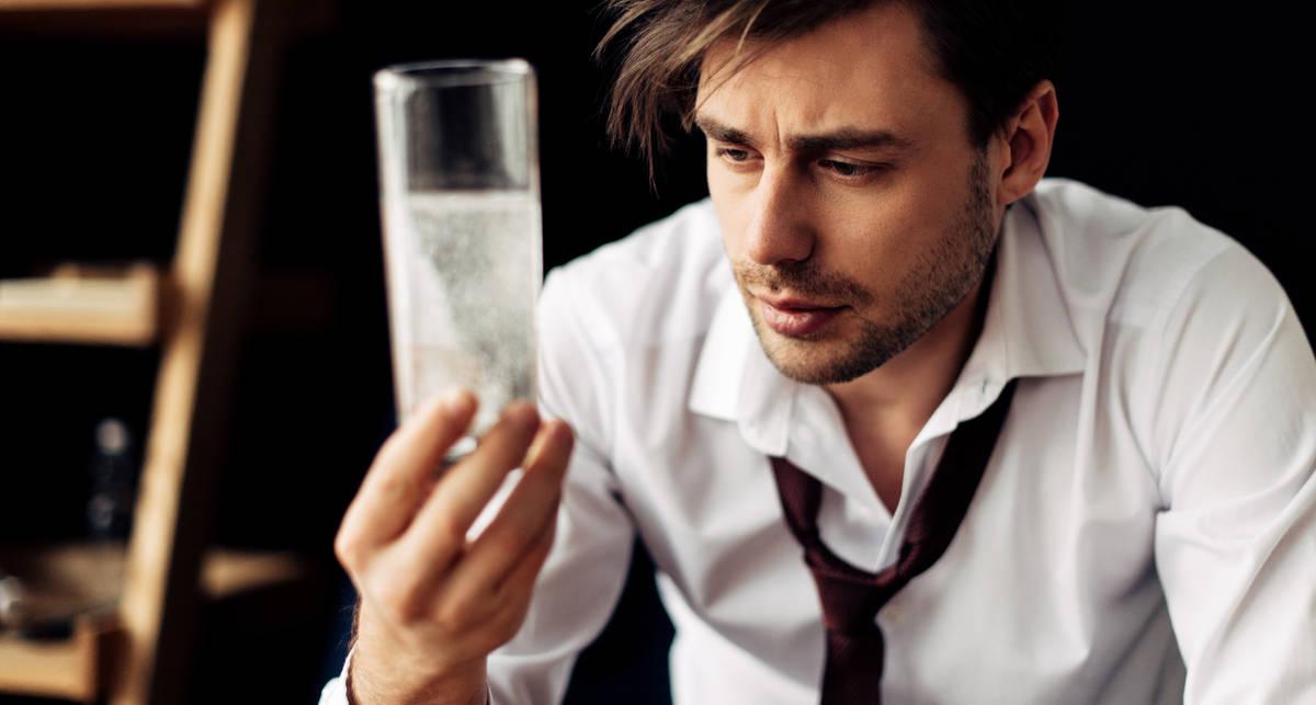 Как и когда правильно пить воду: мужские правила