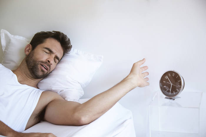 Не подрывайся по будильнику — поваляйся